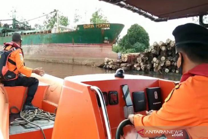 Seorang nakhoda hilang setelah tabrakan kapal