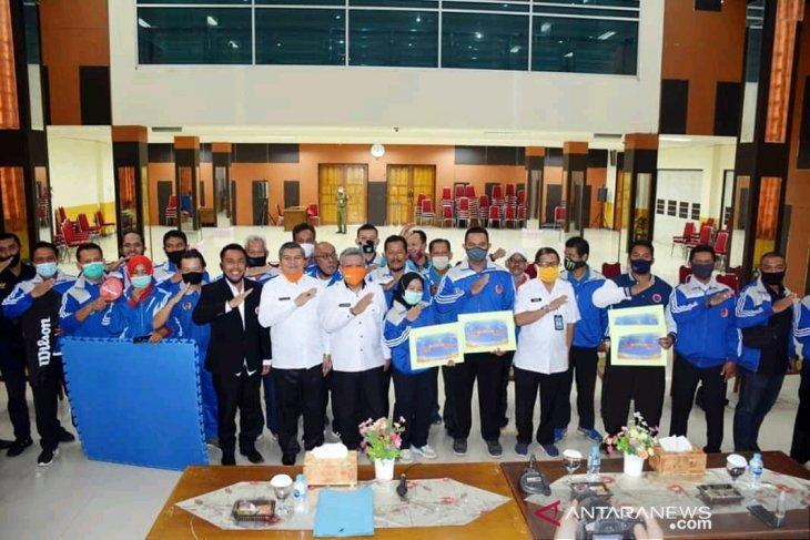 Pemkab Kubu Raya berikan penghargaan kepada atlet berprestasi