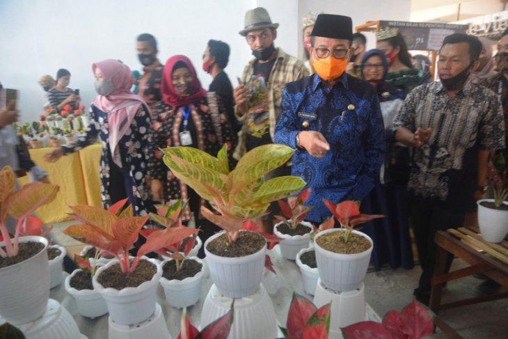 Gubernur: Festival bunga diharapkan membawa manfaat ekonomi bagi UMKM