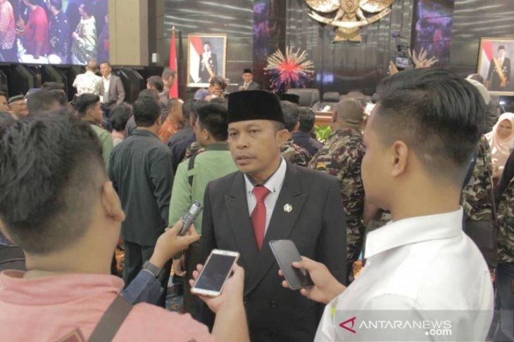 Gubernur Anies dikritik tak libatkan DPRD berlakukan kebijakan PSBB total