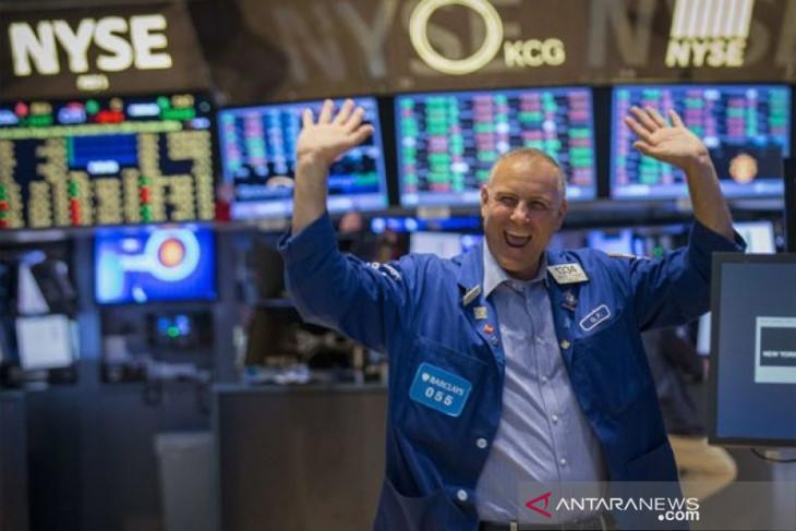 Indeks S&P 500 dan Dow Jones dibuka naik