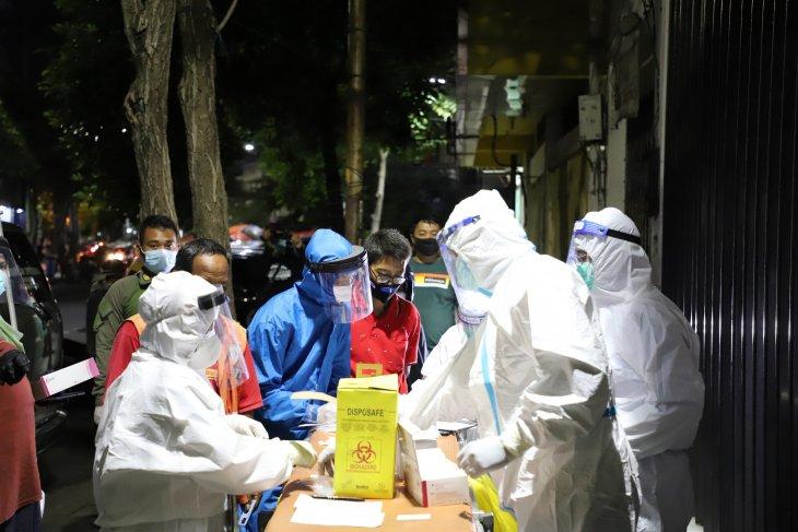 Dinkes Surabaya galakkan rapid test massal dengan lokasi acak