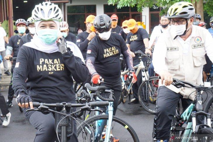 Alasan helm  tak wajib saat bersepeda