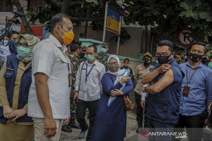 Gubernur Jabar jalani penyuntikan vaksin COVID-19