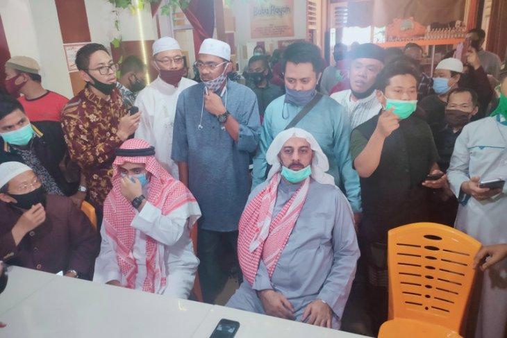 Syekh Ali Jaber tidak terima pelaku dianggap gila