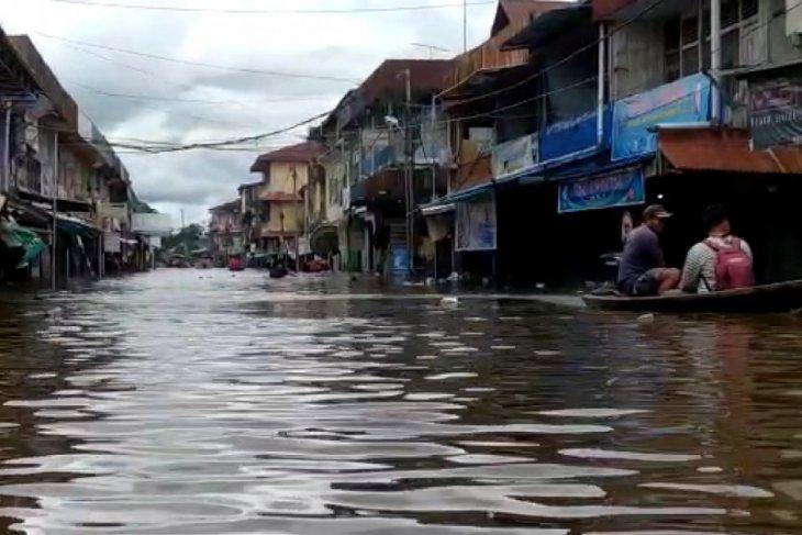 Melawi: Floods swamp thousands of homes in 18 villages