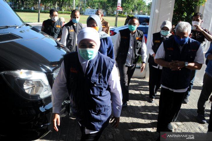 Gubernur Jatim Serahkan Bantuan di Pamekasan