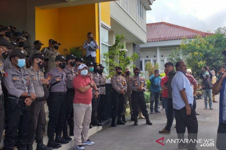 122 personel gabungan amankan aksi demonstrasi di DPRD Belitung