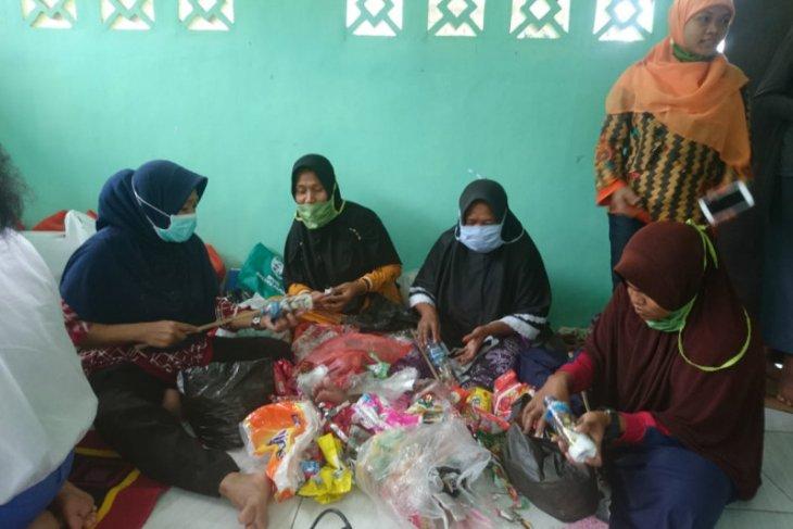 DPPU Pattimura latih warga diversifikasi produk bank sampah organik peluang ekonomi keluarga