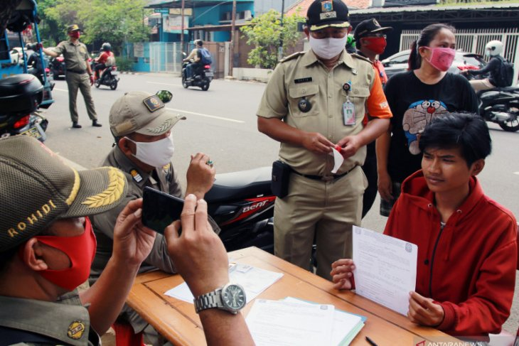 4,634 caught violating health protocols in Central Jakarta