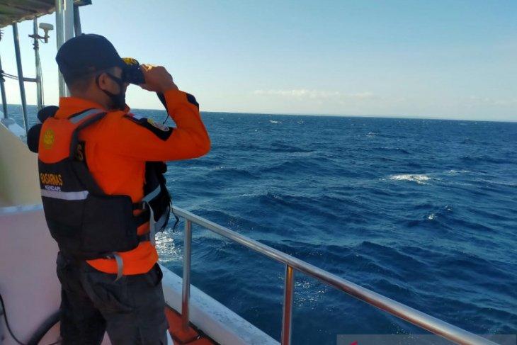 Kapal kargo terbakar di perairan Buton Selatan empat awaknya hilang