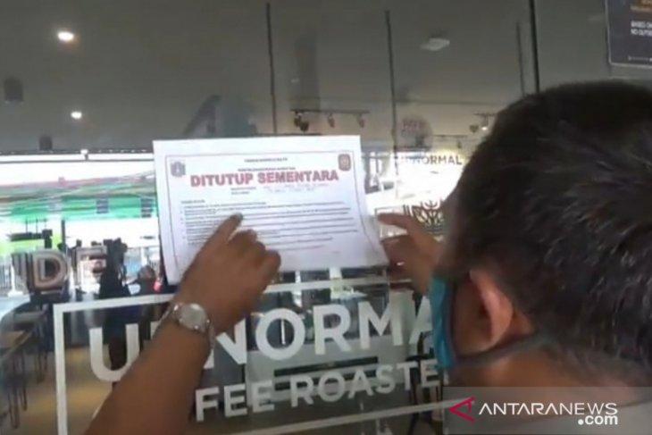 East Jakarta's food stall, restaurant closed over PSBB violation