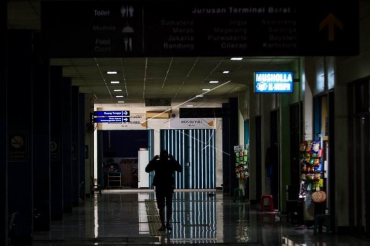 Dampak PSSB Jakarta di Terminal Tirtonadi Solo