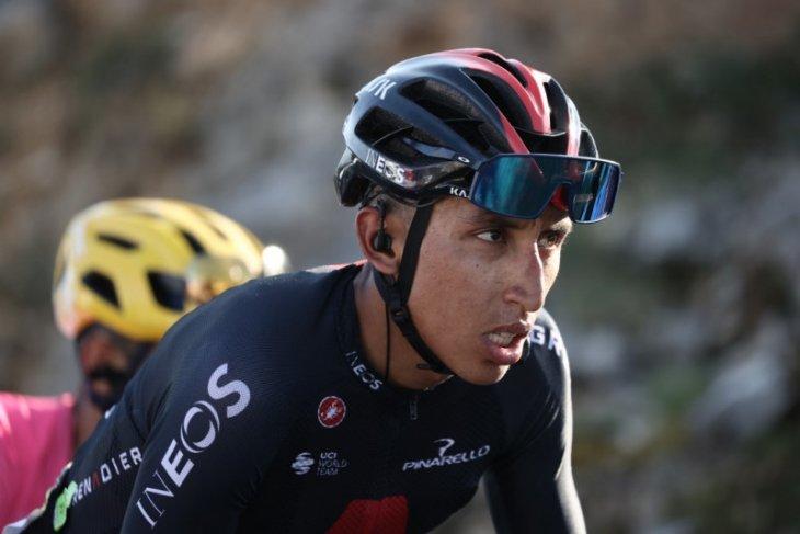 Tour de France: Juara bertahan Egan Bernal mundur dari balapan