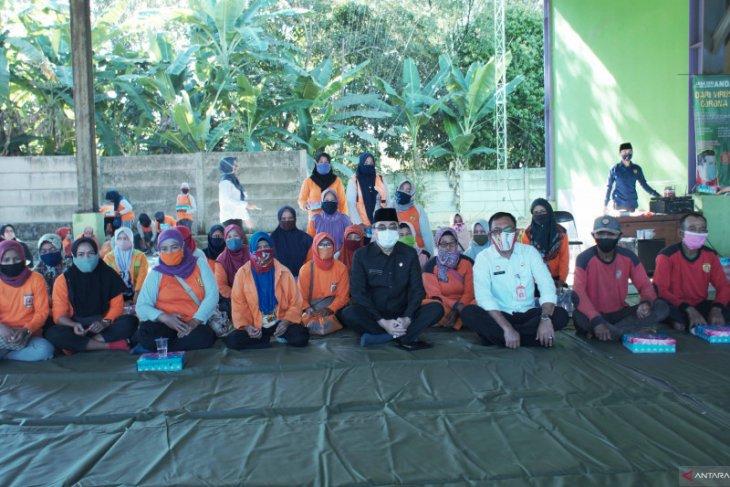 Wawali ikuti doa bersama DLH untuk almarhum Nadjmi Adhani