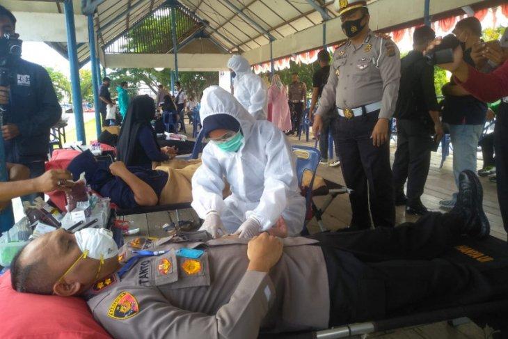 HUT Lantas Bhayangkara ke-65, Polres Lhokseumawe gelar donor darah