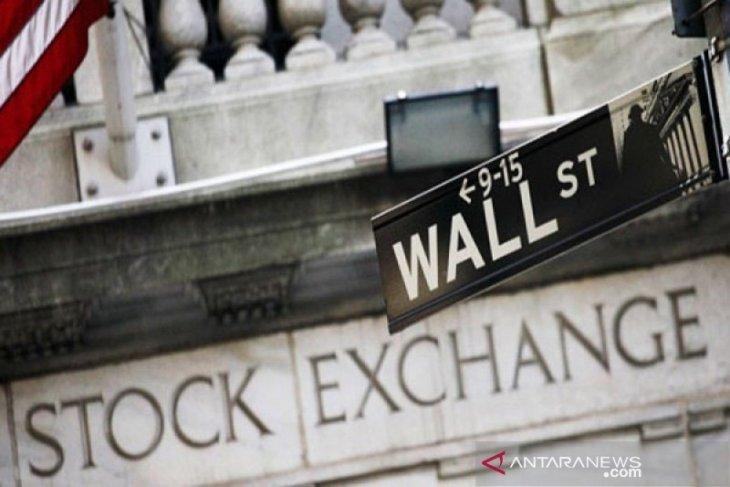 Wall Street jatuh untuk sesi ketiga berturut dipicu prospek pemulihan buruk, Dow anjlok 942 poin