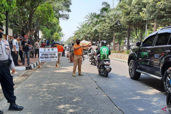 Satpol PP sanctions 31,787 PSBB violators in South Jakarta