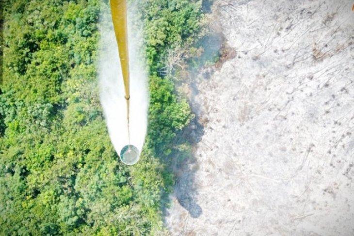 Helikopter dikerahkan atasi kebakaran lahan di Kotawaringin Timur, Kalteng