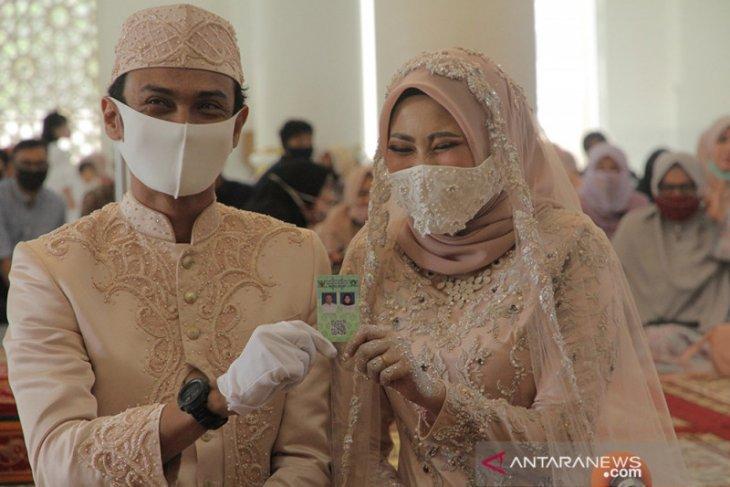 5.000 lebih pasangan menikah di Aceh di Agustus meski COVID-19