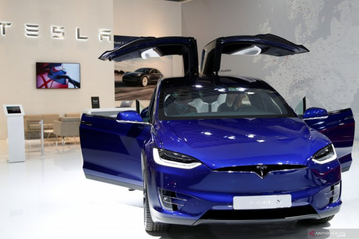 Tesla menang gugatan pencurian data oleh mantan pegawai