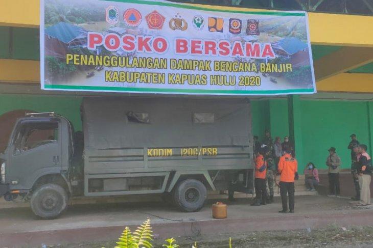 TNI salurkan bantuan Pemprov untuk korban banjir Kapuas Hulu