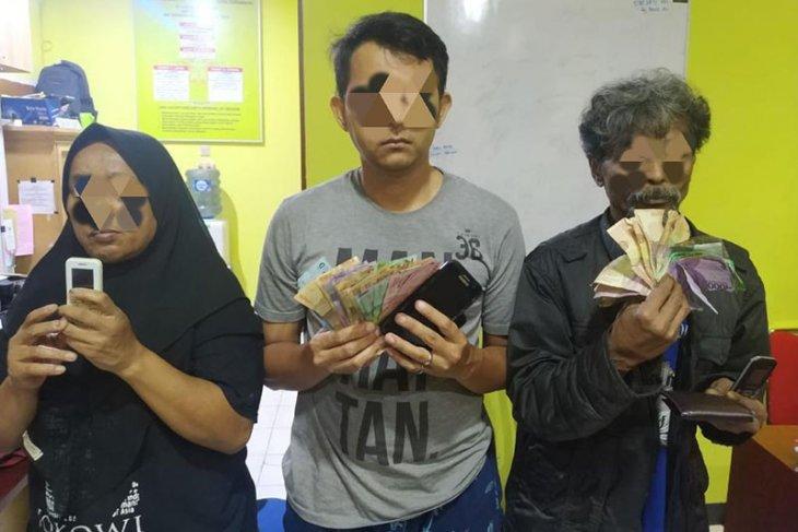Polisi tangkap tiga pelaku judi daring di Banda Aceh