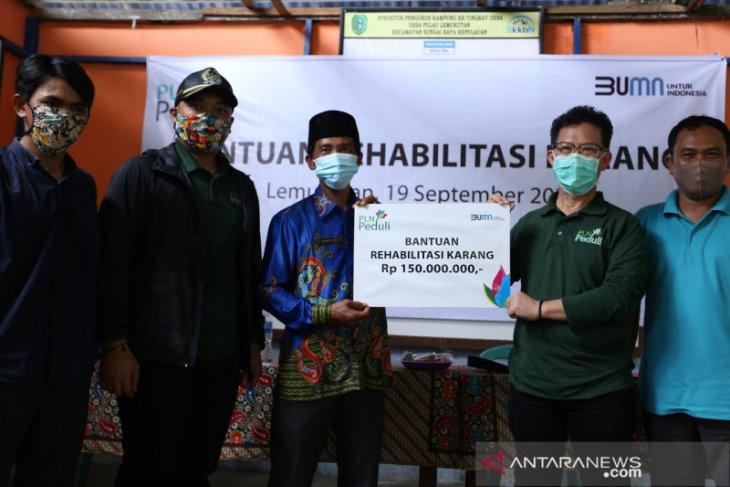 PLN Kalbar bantu rehabilitasi terumbu karang di Pulau Lemukutan