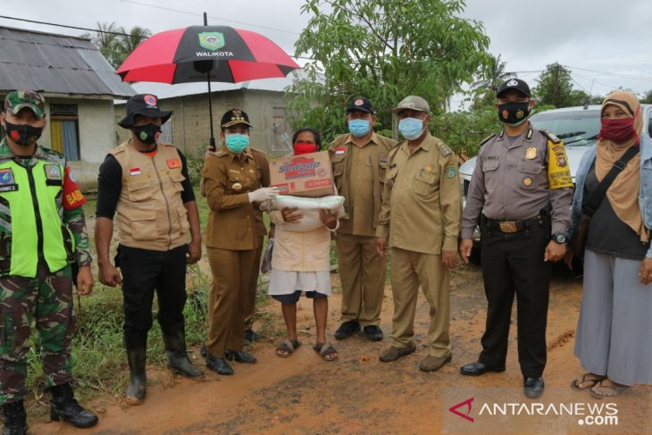 Pemkot Singkawang bantu korban angin puting beliung