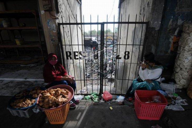 Aktivitas pedagang pascakebakaran Pasar Copogo