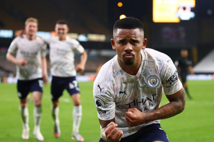 Manchester City mengawali musim dengan tekuk Wolves 3-1