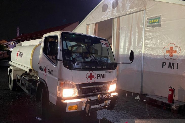 PMI kirim pasokan air bersih ke lokasi bencana banjir bandang Sukabumi