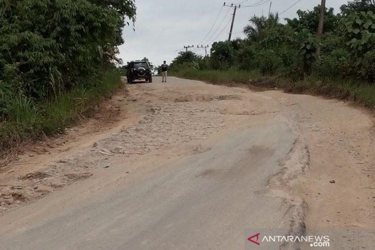 Perbaikan jalan di wilayah calon ibu kota diharapkan terus berlanjut
