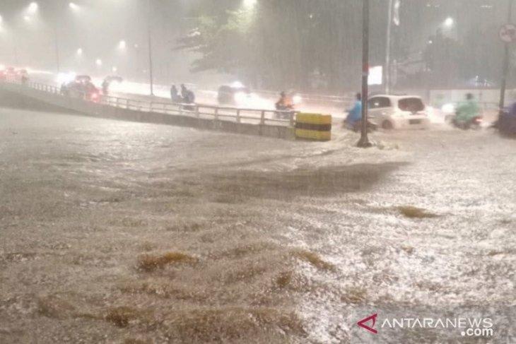 Peringatan dini bencana banjir untuk DKI Jakarta