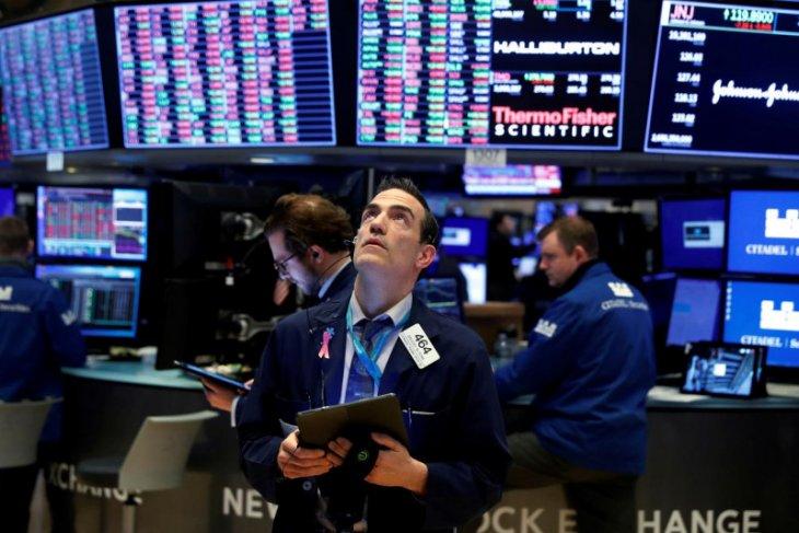 Wall street anjlok dengan Indeks Dow Jones jatuh 649,59 poin