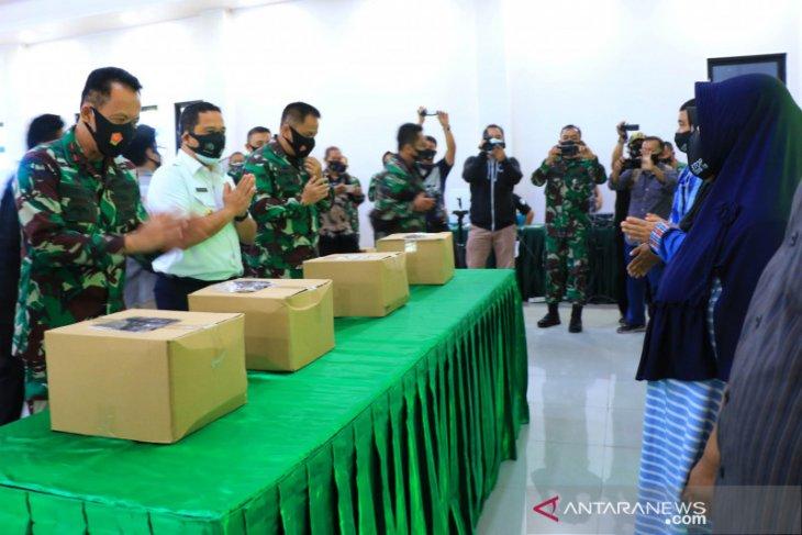 Wali Kota Arief  apresiasi TNI bantu masyarakat terdampak COVID-19