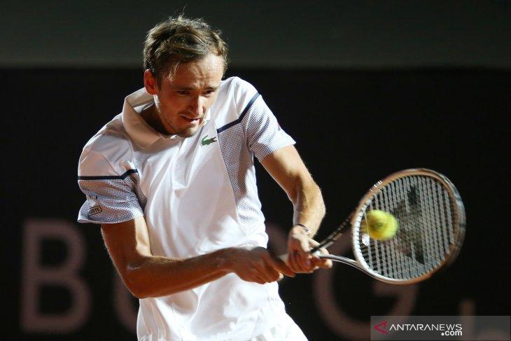 Medvedev langsung tersingkir pada babak pertama French Open