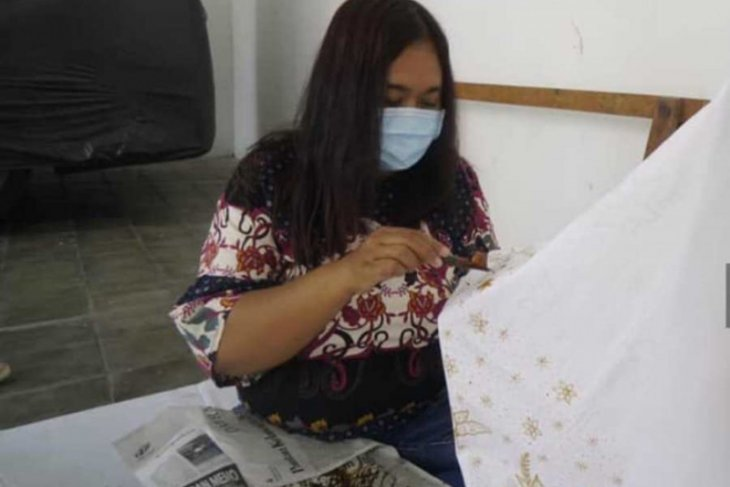 Dekranasda Kota Madiun  gelar uji kompetensi perajin batik tulis