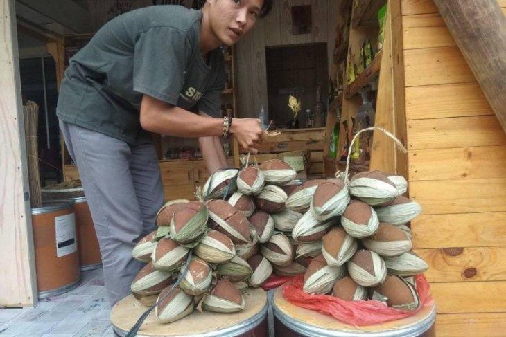 Kementerian Perindustrian bina perajin gula aren di Lebak