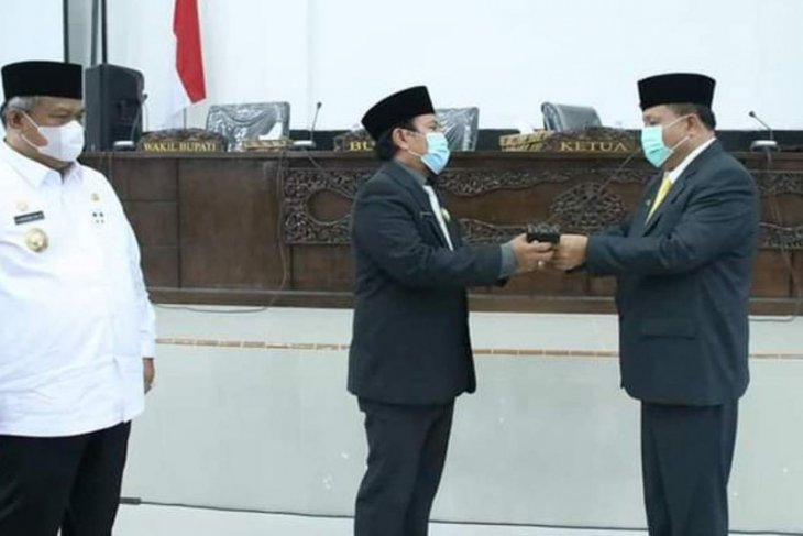Anto Pasaribu jadi Ketua sementara DPRD Labura