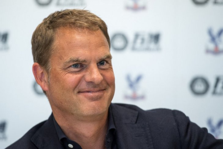 Pelatih baru timnas Belanda Frank de Boer dapat sokongan dari Van Marwijk