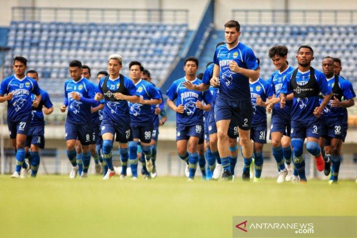 Pelatih Persib usul kompetisi Liga 1 2020 dihentikan