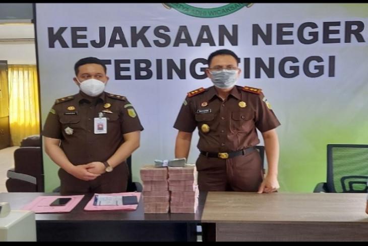 Kejari Tebing Tinggi sita Rp810 juta dari korupsi buku fiktif