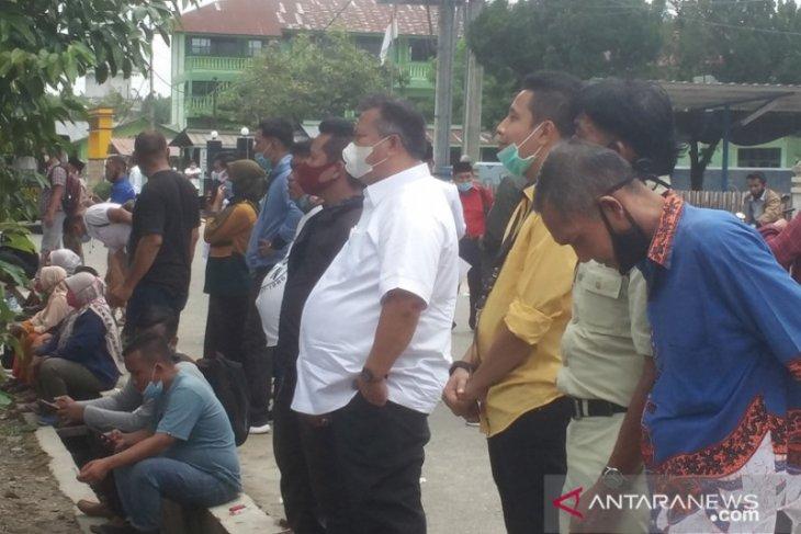 PKPU baru, Bupati Labura 'diusir' dari lokasi Rapat Pleno KPU