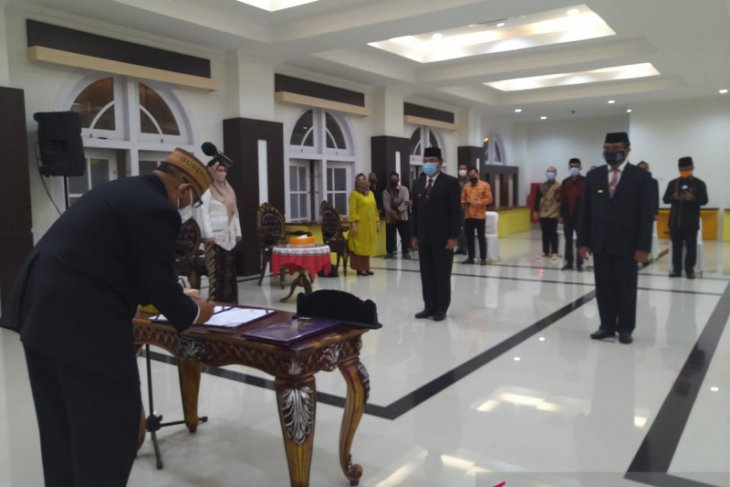 Gubernur kukuhkan penjabat sementara bupati Gorontalo-Bone Bolango