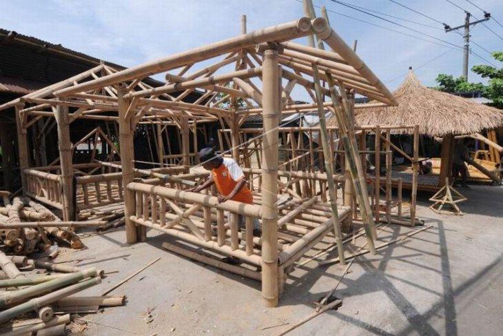 Kerajinan gazebo dari bambu