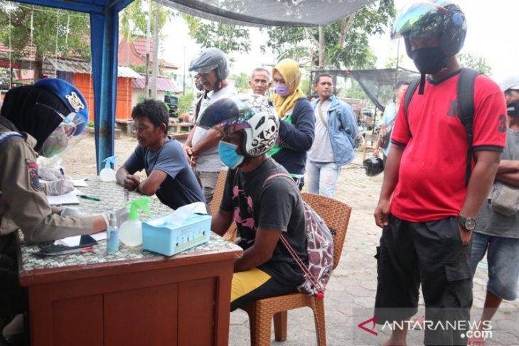 Tim PDPK Belitung Timur merazia warga tidak bermasker