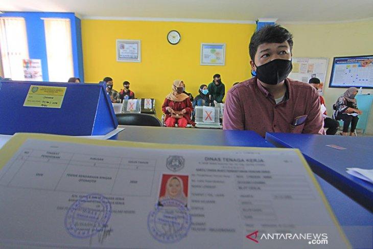 Disnaker Ambon perpanjang waktu pelayanan kartu pencari kerja