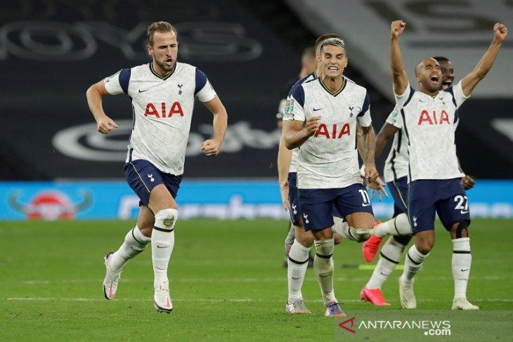 Tottenham menyingkirkan Chelsea dari Piala Liga lewat adu penalti