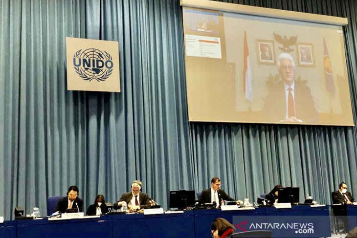 Indonesia promotes cooperation with UNIDO on Industry 4.0